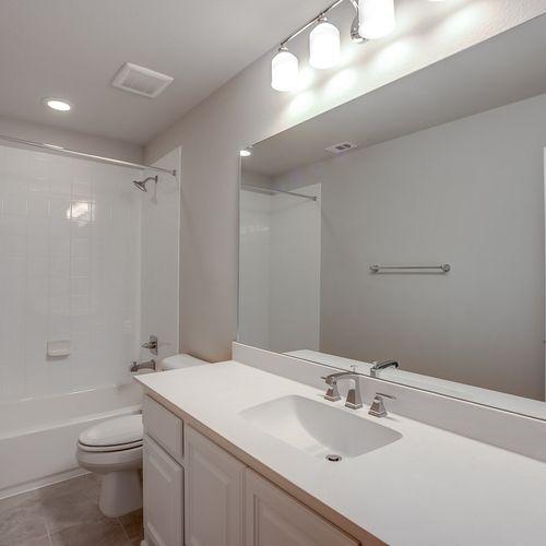Plan 1661 Secondary Bathroom Representative Image