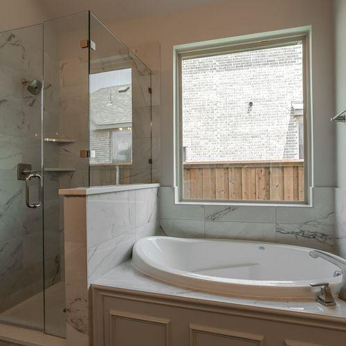 Plan 1607 Primary Bathroom Representative Image