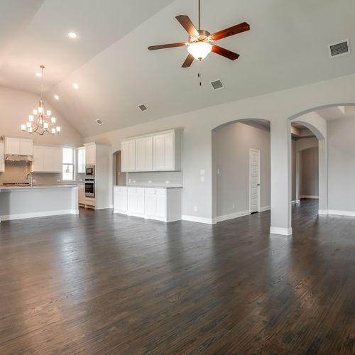 Plan 1618 Family Room/Kitchen Representative Image