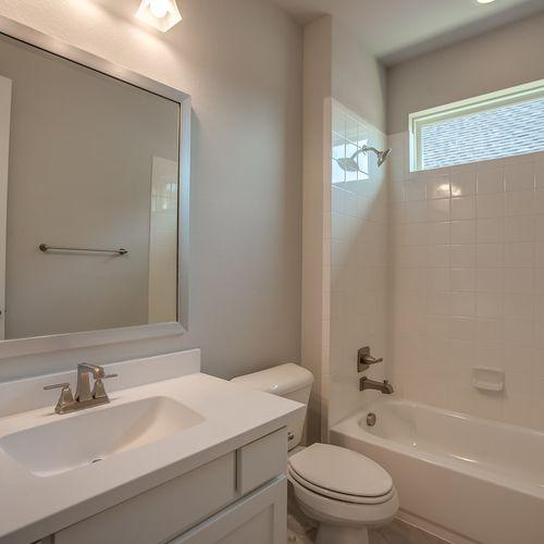Plan 1120 Secondary Bathroom Representative Image