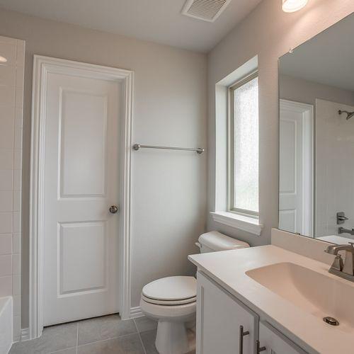 Plan 1503 Secondary Bathroom Representative Image