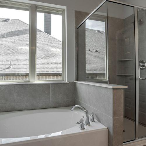 Plan 1618 Primary Bathroom Representative Image
