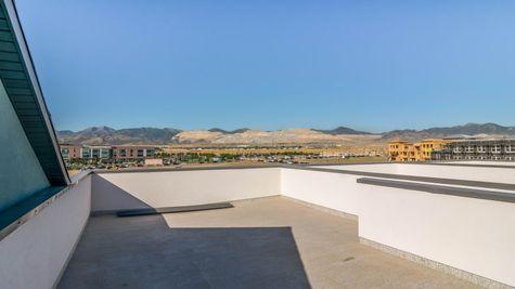 024 Rooftop Deck