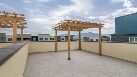 023 Rooftop Deck