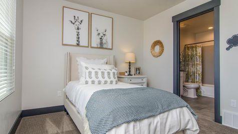 018 Bedroom Suite