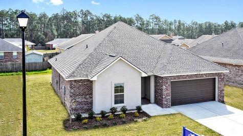 Front Elevation of Model Home - Bridgewood - DSLD Homes D'Iberville
