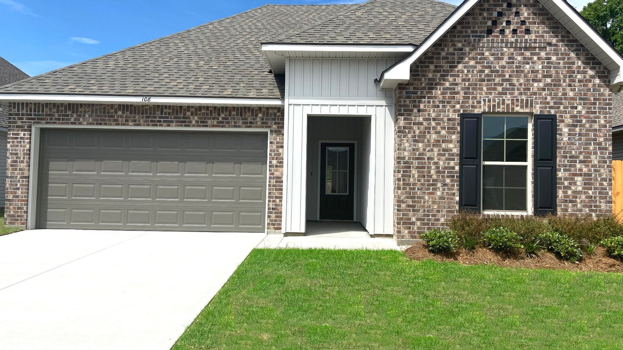 Front View - TROY III G Elevation – Graham Heights Community - DSLD Homes - Lafayette,  LA