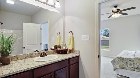 Master Bathroom Vanity - Bridgewood - DSLD Homes D'Iberville