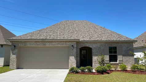 Front View (Narbonne III B) - Silver Oaks Community - DSLD Homes - Gonzales, LA