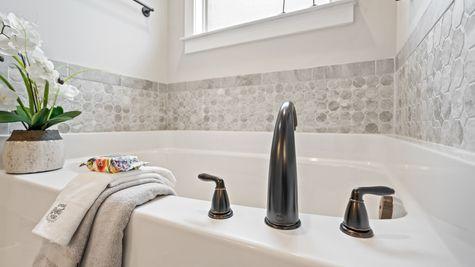 Fillmore IV H Floor Plan - DSLD Homes -  Master bathroom suite