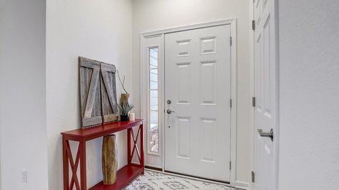 The Breckenridge Foyer - Halen Homes