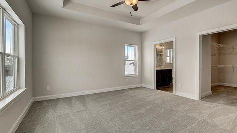 1390 Overlook Circle owner's suite - Halen Homes
