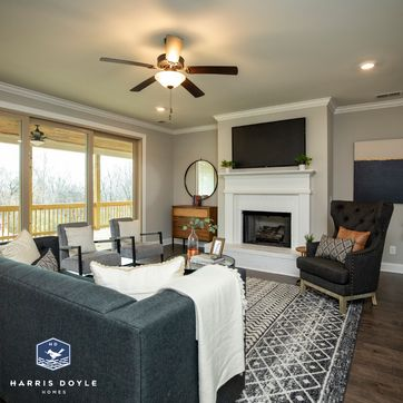 <p>We're loving the gray and cream color scheme in this living room! What are your go-to colors when decorating? Let us know below in the comment section.<br/></p>