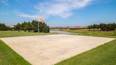 Homes by Taber Highland Village Basketball Court