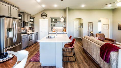 Edison Kitchen & Breakfast Area