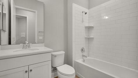 CO251 Magnolia Bathroom 3