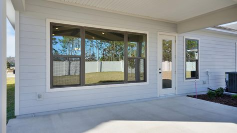 The Gilchrist at Kettering Lot 24 Porch